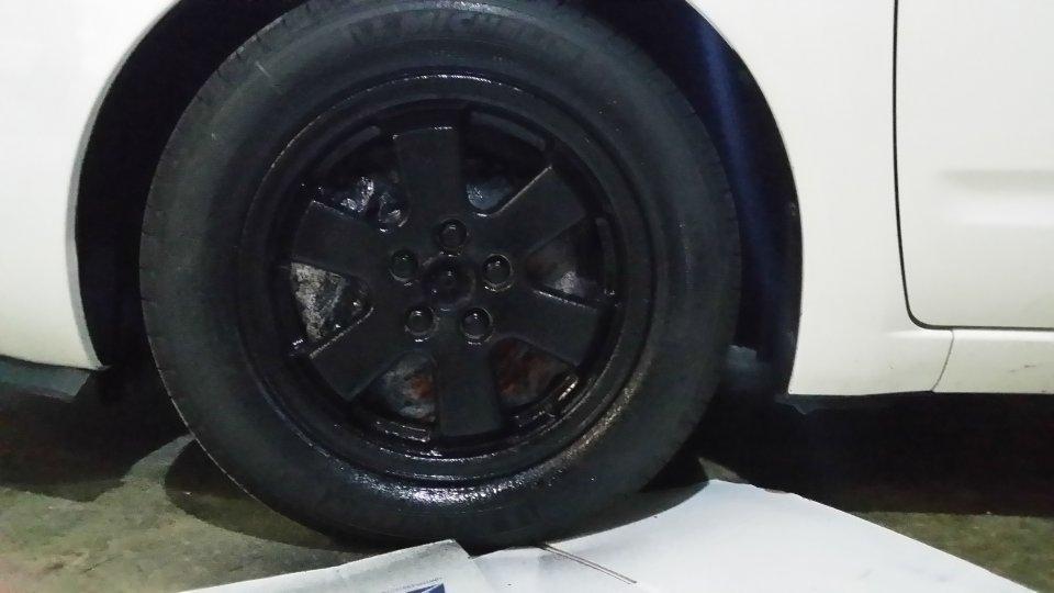 06 Prius White Plasti Dip Wheels Priuschat