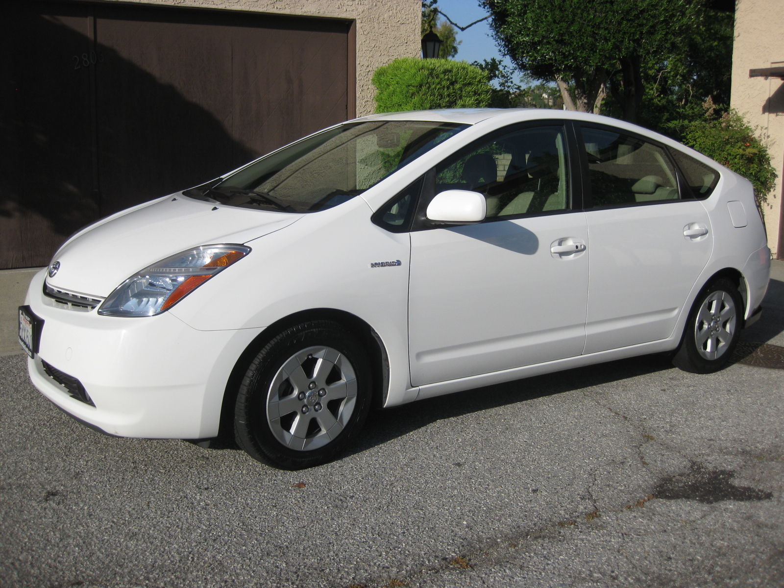 For Sale 2007 White Toyota Prius Package 6 Fully