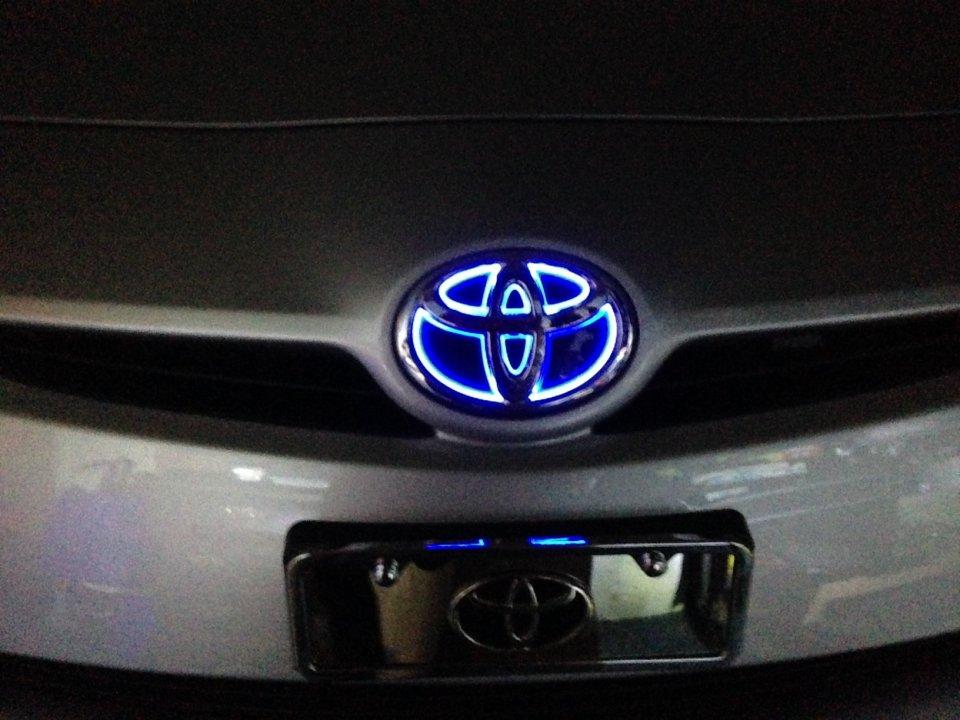 emblem illuminated led choice need help source priuschat jun