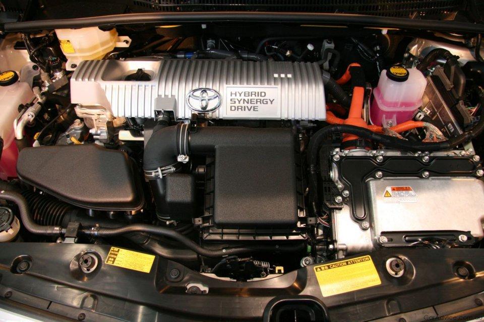 prius-engine.jpg