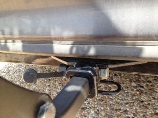 Yakima locking bolt.jpg